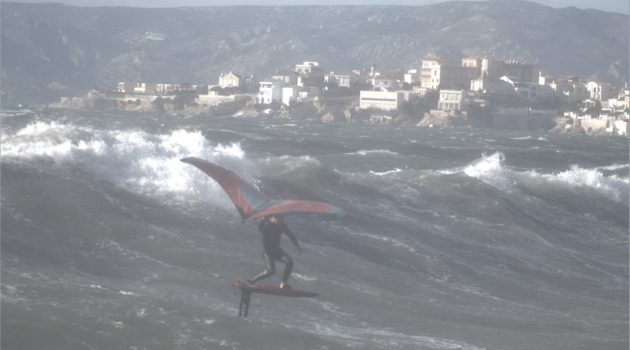 Rider of the Week: Tom Auber big wave on duotone fanatic wing foil