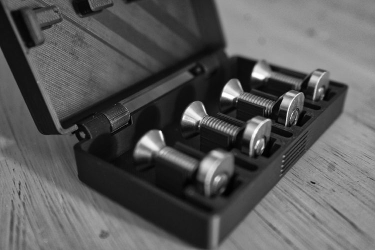 Foil Mount Set Stainless Steel Nuts, Screws and Case on Wingfoildaily.